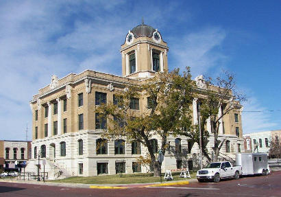 Gainesville TX - Restored 1911 Cooke County Courthouse SE corner