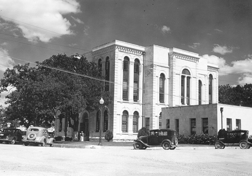 1886 Bosque County courthouse, Meridian, Texas  1939 old photo