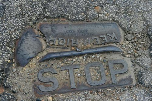 Shiner Texas 1920s Traffic Button - STOP