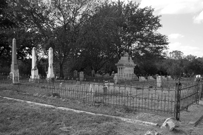 Seguine, Texas - Riverside Cemetery  old graves
