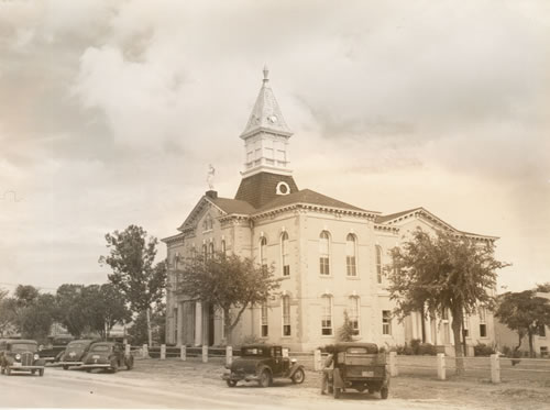 Wilson County Courthouse, Floresville Texas 1939