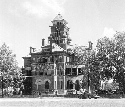 TX - Gonzales County Courthouse 1939 old photo