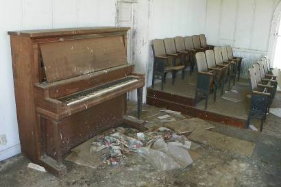 Jermyn TX - First Methodist Church Piano