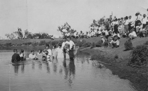 Fluvanna, Texas - Mass Baptisms  1916